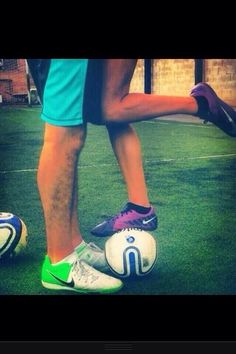 I want a picture like this ❤️ Me and my Bf play soccer... So why not?!