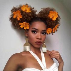 Afro does not need any explanation. They have been beautifying the black women for years. This board contains the most glamorous designs of afro hairstyles. Grow Long Hair, Grow Hair, Scene Hair, Curly Hair Styles, Natural Hair Styles, Natural Beauty, Natural Afro Hairstyles, Black Hairstyles, Hairdos
