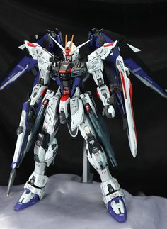 GUNDAM GUY: MG 1/100 Freedom Gundam Ver 2.0 - Customized Build