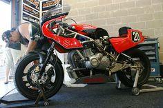 Suzuki-Martin GS1000 (Motorservice Spanjer Classic Race Team, Stef Hollands & Pascal Berger).