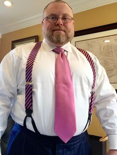 The Papa Bear of Men's Fashion — Suspenders (or Braces) and the Big Man After. Indie Outfits, 30 Outfits, Casual Summer Outfits, Winter Outfits, Lässigen Jeans, Sweaters And Jeans, Casual Jeans, Men Casual, Urban Outfitters Outfit