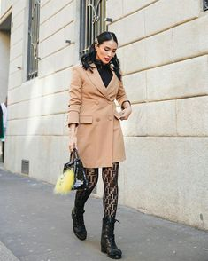 Every Single Designer Outfit Heart Evangelista Wore To Milan Fashion Week A/W Beige Trench Coat, Classic Trench Coat, Heart Evangelista, Dior Saddle Bag, Alexander Mcqueen Shoes, Classy Chic, Sophisticated Style, Personal Stylist, Fashion Watches