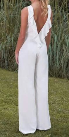 Pin by Paulina Canelos on Mamá in 2019 Jumpsuit Outfit, Casual Jumpsuit, Bridal Jumpsuit, Designer Jumpsuits, Jumpsuit Pattern, Fashion Outfits, Womens Fashion, Fashion Addict, Spring Outfits