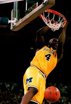 Chris Webber - Fab Five U Of M Basketball, Basketball Legends, College Basketball, Basketball Players, Ncaa College, Michigan Wolverines Basketball, Michigan Athletics, Inside The Nba, Michigan Go Blue