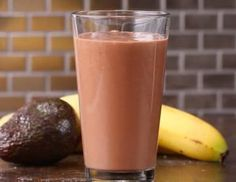 Servings: 1 INGREDIENTS ½ avocado 1 banana 1 cup chocolate milk of choice PREPARATION Add avocado, banana, and chocolate milk to blender and blend until smooth. Pour into a glass, and enjoy! Fast Healthy Meals, Healthy Snacks, Healthy Recipes, Healthy Drinks, Healthy Eating, Breakfast Smoothies, Breakfast Recipes, Dinner Smoothie, Breakfast Cookies