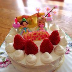 次女はメレンゲ人形を頭から丸かじり…^^; たくましく育ってます! - 14件のもぐもぐ - 2015.ひな祭りケーキ by chihi3