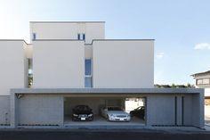 ガレージハウス お部屋のようなテラスを持つすまい アーキッシュギャラリー Traditional Japanese House, Parking Design, Dream House Plans, Car Parking, Townhouse, Garage House, Custom Homes, Exterior, Home Interior Design