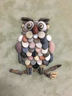 Pebble art owl by gülen Awesome work!                                                                                                                                                     More