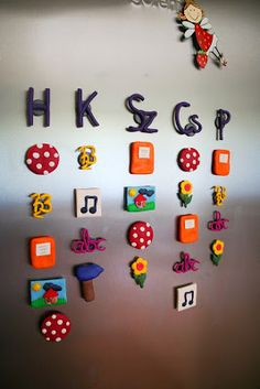Órarend a hűtőn - Timetable magnets from clay Back To School, Clay, Holiday Decor, Gifts, Magnets, Anna, Teacher, Craft Ideas, Fimo
