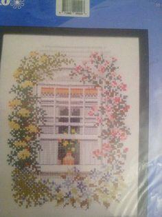 Pako Flowered Window