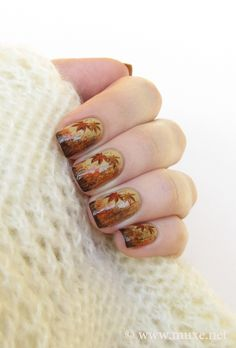 """Rusty nails design, Feeling Fall Looks great against that cream shawl.  """"Magna Nails"""""""