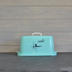 Vintage Turquoise Cake Carrier - Plastic Cake Storage - Retro Kitchen - Black and Turquoise