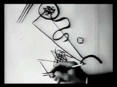 En estas imágenes de 1926, vemos al pintor de origen ruso Wassily Kandinsky dibujando una de sus obras. http://expresandoabstract.wordpress.com