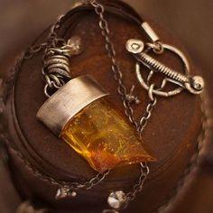 Baltic amber necklace, 925 silver, 2012 © ewa lompe