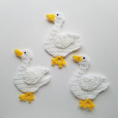4 5 to the left duck crochet appliqueTo the Left DUCK Crochet Applique Color: white with yellow and black eye Size: x Made with light weight yarn --->> WING is attached with permanent fabric GLUE, not sewn --->> This is a ONE side ONLY applique. Crochet Amigurumi, Easter Crochet, Crochet Bunny, Cute Crochet, Crochet Animals, Crochet Flowers, Crochet Applique Patterns Free, Crochet Motifs, Baby Knitting Patterns