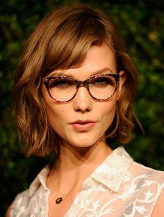 Frisur mittellang brille