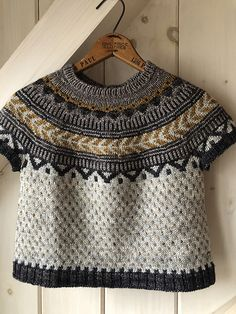 Ravelry: Project Gallery for Soldotna Crop pattern by Caitlin Hunter Ravelry, Knitting Projects, Knitwear, Knit Crochet, Textiles, Pullover, Wool, Sewing Ideas, Creative Ideas