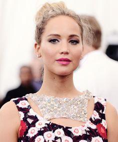 Jennifer Lawrence at Met Gala 2015.