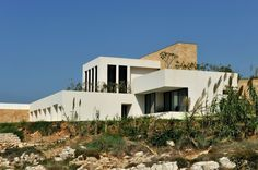 Fidar Beach House / Raed Abillama Architects