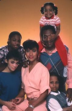 """Cosby Show, The"" Phylicia Rashad, Lisa Bonet, Malcom-Jamal Warner, Bill Cosby, Keshia Knight Pulliam, Tempestt Bledsoe"