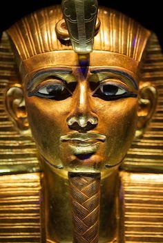 Masque funéraire de Psousennès Ier. XXIe dynastie. Nécropole royale de Tanis. Musée égyptien du Caire.