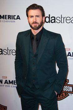 Chris Evans Chris Evans attends the 'Captain America: The Winter Soldier' Paris Premiere at Le Grand Rex on March 17, 2014 in Paris, France....