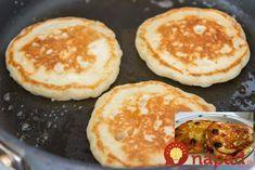 Výborné, zdravé a nízkokalorické raňajky, ktoré chutia božsky. Výborné lievnace bez múky a cukru – z tvarohu! Potrebujeme (na dve porcie): 250 g jemnéhotvarohu 3 vajcia 1 PL medu štipka sódy bikarbóny 2 lyžice najemno namletých ovsených vločiek (môžeme použiť aj špaldovú či obyčajnú múku, ale to už nebudú lievance bez múky :-)) 1/2 škorice... Pancakes, Cheesecake, Ale, Food And Drink, Eggs, Breakfast, Fitness, Basket, Diet