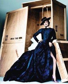 2,909 отметок «Нравится», 17 комментариев — FashionPhotographyAppreciation (@fashionphotographyappreciation) в Instagram: «The legendary Kate Moss photographed by Mario Testino (@mariotestino) for Vogue Spain December 2012…»