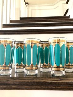 Set of 6 Fred Press signed mid-century turquoise / gold Crown highball glasses Mid Century Modern Glassware, Glassware Vintage Collectible, Vintage Wine Glasses, Retro Decor, Vintage Wine, Vintage Tableware, Vintage Barware, Modern Dinnerware, Vintage Drinking Glasses