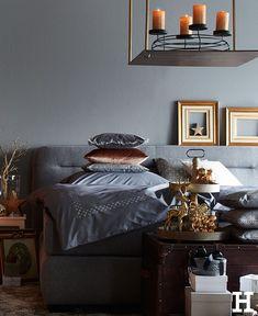 Dunkel? Hell? Kariert? Liniert? Mit Streifen? Oder doch im klassischen Weiß? Bettwäsche ist so vielfältig, wie das eigene Leben. #meinhöffi   #höffner #hoeffner #wohnen #möbel #wohnraum #wohndesign #wohnidee #bett #bettwäsche Hygge, Dark, Stripes, Life