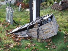half buried toe pincher coffin Halloween Forum member Krazyzeus