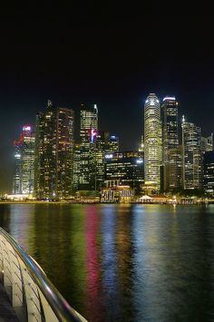 Singapore - Skyscrapers around Marina Bay | 25 Great Travel Tips for Singapore