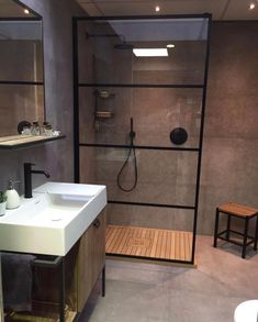 Small bathroom with open shower separated by a glass wall bathroom in industrial design industrial look in the bathroom concrete floor in the bathroom minimalist bathroom bathroom ideas design small bathroom Kleines Badezimmer Wohnklamotte Bathroom Design Small, Bathroom Layout, Bathroom Interior Design, Bathroom Ideas, Bath Design, Bathroom Designs, Bathroom Remodeling, Shower Ideas, Bad Inspiration