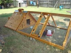 Chicken Tractor 489414684484392018 - Happyhen Chicken House Oandrea's Chicken Coop – BackYard Chickens Community – probably still my favorite coop thus far. stick some handles on it and move it around the yard and garden Source by thylene A Frame Chicken Coop, Mobile Chicken Coop, Small Chicken Coops, Portable Chicken Coop, Backyard Chicken Coops, Chicken Coop Plans, Building A Chicken Coop, Diy Chicken Coop, Chickens Backyard
