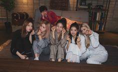Kpop Girl Groups, Korean Girl Groups, Kpop Girls, Programa Musical, New Girl, South Korean Girls, Girl Crushes, How To Fall Asleep, Cool Girl