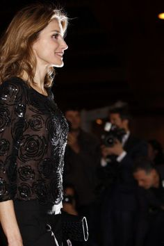 Queen Letizia donned an all black outfit at the 'In Memoriam' concert for the March 11 terror victims.