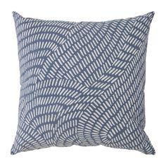 Swaziland rain batik pillow - love this grey and white pattern.