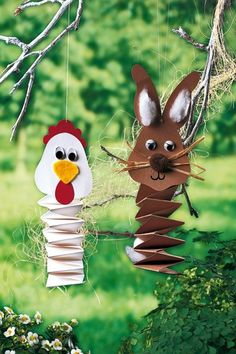 de part of the picture we offer you when you read this picture is exactly the features you are looking for you can see. In the picture Ziehharmonika-Tiere basteln: Hase & Hahn einfach falten Diy For Kids, Crafts For Kids, Spring Decoration, Organized Mom, Easter Crafts, Kids And Parenting, Happy Easter, Diy And Crafts, Crafty