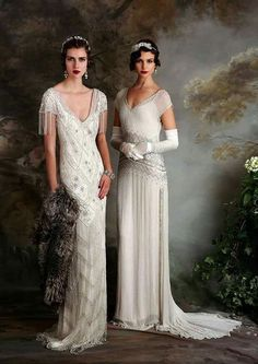 If you're on the hunt for a vintage gown, a style flapper wedding dress but something new then you need to see the Eliza Jane Howell Debutante collection Flapper Wedding Dresses, Vintage Inspired Wedding Dresses, Vintage Gowns, Bridal Dresses, Wedding Gowns, Dress Vintage, 1920s Vintage Wedding Dress, Wedding Bridesmaids, Art Deco Bridesmaid Dresses