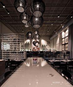 """COCCOLATI DALLA LUCE - Illuminazione ristorante giapponese  Il ristorante Shabu di Torino si trova nella rinomata """"Cit Turin"""", che è diventato"""
