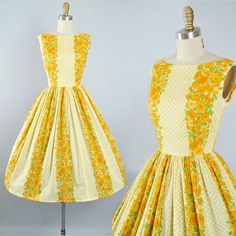 Vintage 50s Border Print Dress / 1950s Cotton Sundress Yellow