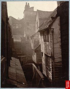 Dans les rues de Londres en 1880 - La boite verte