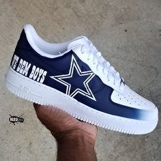 Dallas Cowboys Rings, Dallas Cowboys Outfits, Dallas Cowboys Women, Cowboys Men, Dallas Cowboys Football, Cowboys Apparel, Cowboys Gifts, Football Pics, Cowboy Shoes