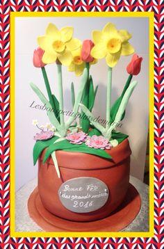 Gâteau jonquilles et tulipe Planter Pots, Creations, Cake, Desserts, Food, Daffodils, Tulip, Pie Cake, Meal
