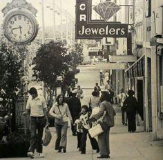 Main Street at Washington & McBee… 1970 Greenville History Back In The Day, Main Street, Storyboard, South Carolina, Clocks, Roots, Cool Pictures, Washington, Southern