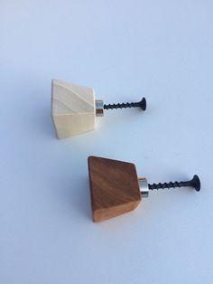 Knob Concept,Wooden Knobs,Drawer Pull,Pomello in legno,Natural Wood Knob,Rustic Knob Wooden Drawer Pulls, Wooden Drawers, Drawer Handles, Wooden Handles, Closet Door Handles, Wardrobe Handles, Wooden Wall Hooks, Wooden Diy, Hanging Coat Rack