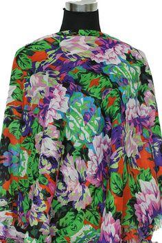 Sjaal met vrolijke zomerse bloemen