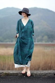 BonLifeApparel offer high quality apparel special textured/jacquard/embroidered/plant vegetable hand dyed clothing made of linen silk etc. Boho Fashion, Girl Fashion, Fashion Dresses, Womens Fashion, Cool Outfits, Casual Outfits, Mode Chic, Vintage Inspired Dresses, Looks Vintage