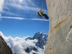 A caccia del dente del Gigante #lookingforpiteco #pitechi #outdoor #nature #wildness #dentedelgigante #montebianco #mountain #climbing #arrampicata #snow #neve #ghiacciaio #adventure