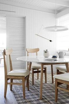 Harpers_Project round marble dining table